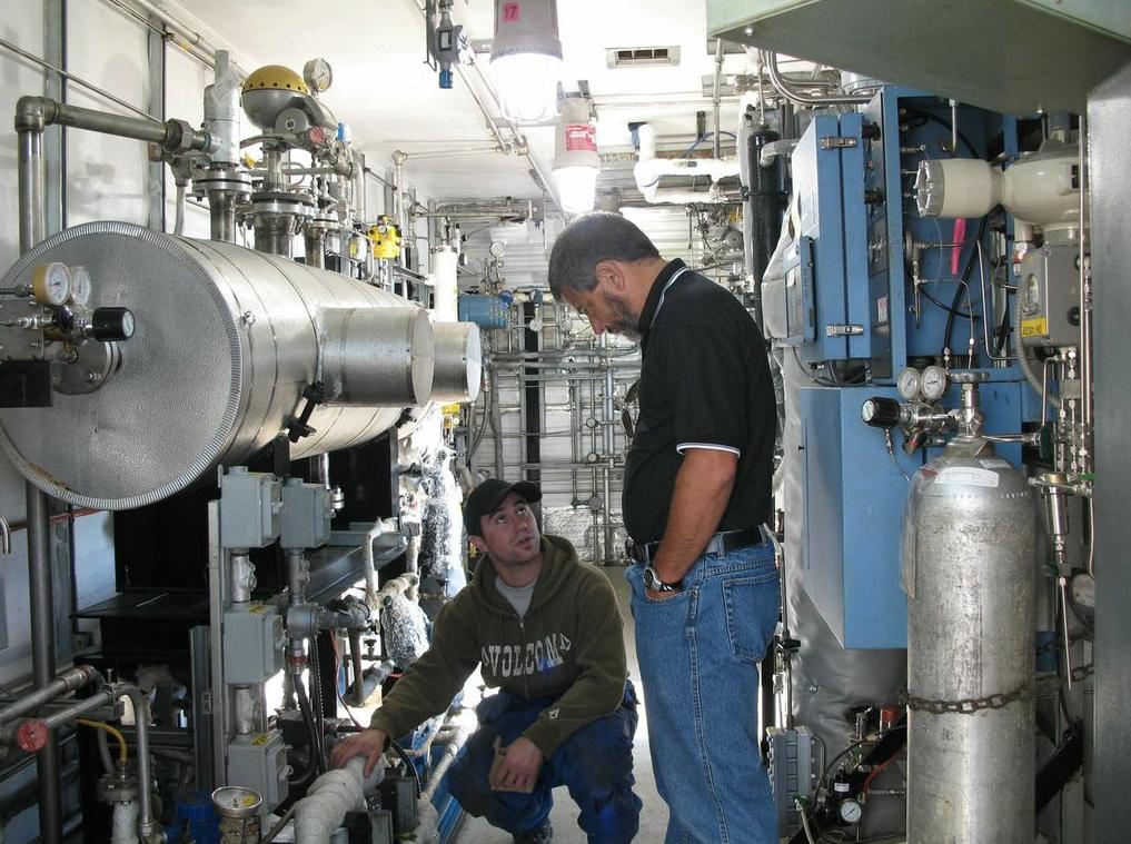 marco quintela in the compressor room